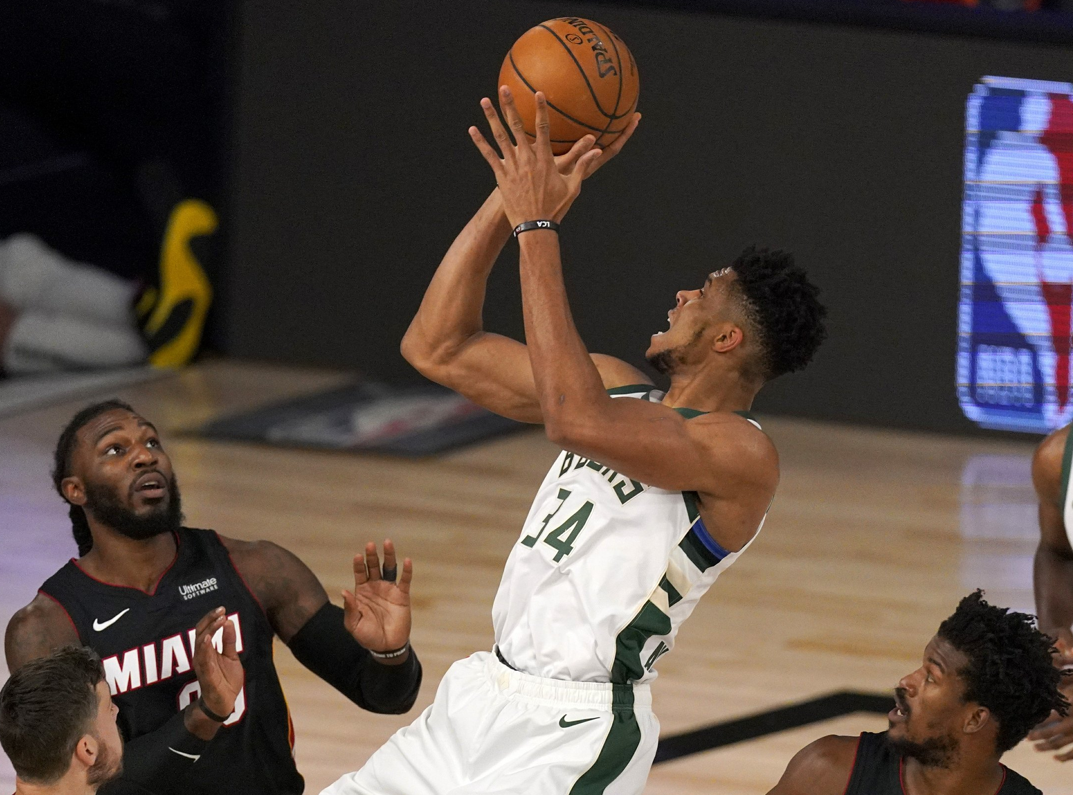 Milwaukee Bucks at Miami Heat Betting Preview