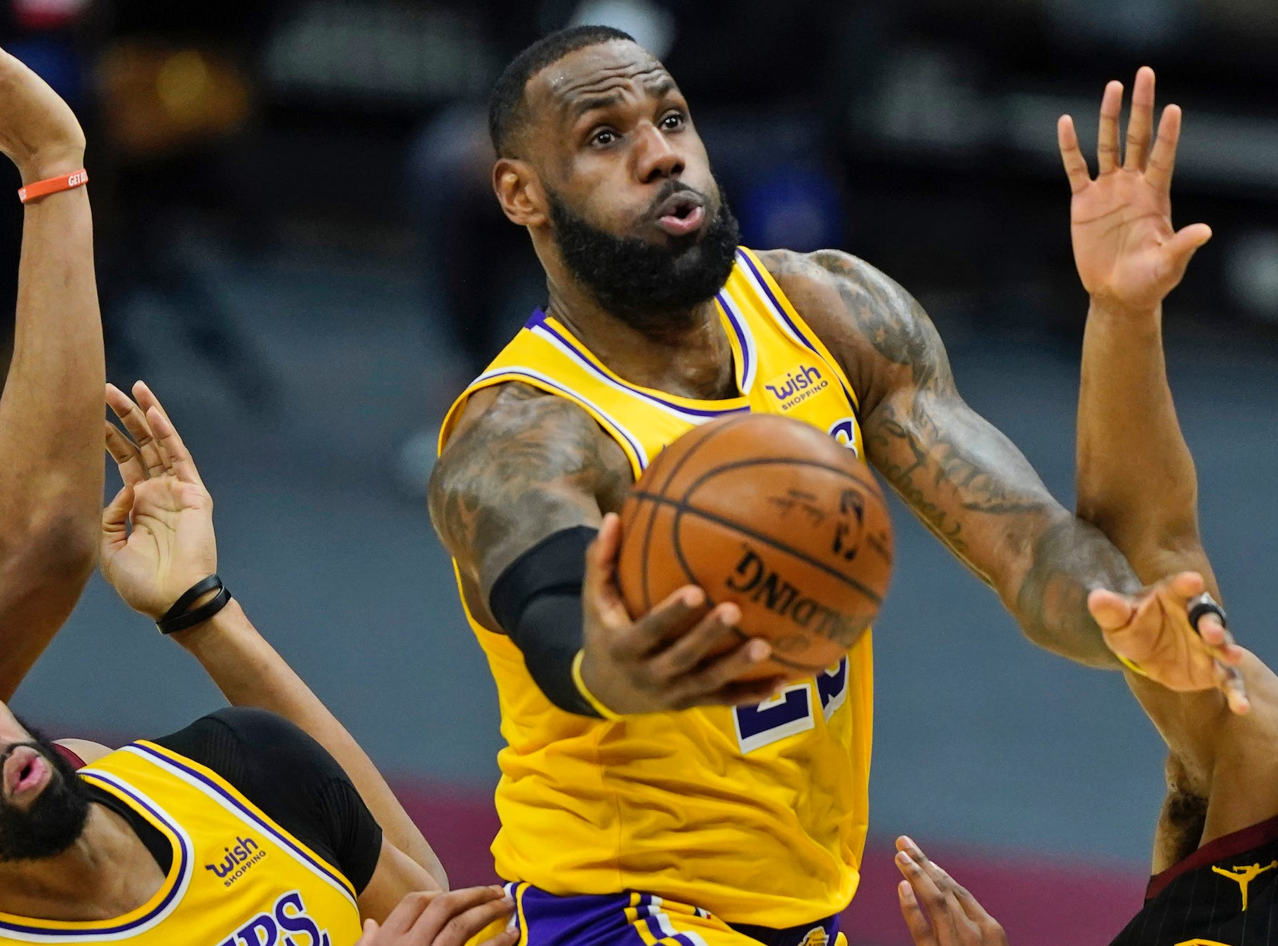 Los Angeles Lakers at Philadelphia 76ers Betting Preview