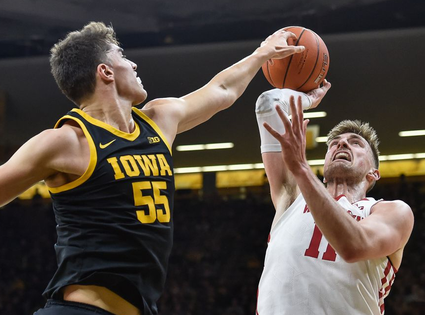 Iowa Hawkeyes at Wisconsin Badgers Betting Preview