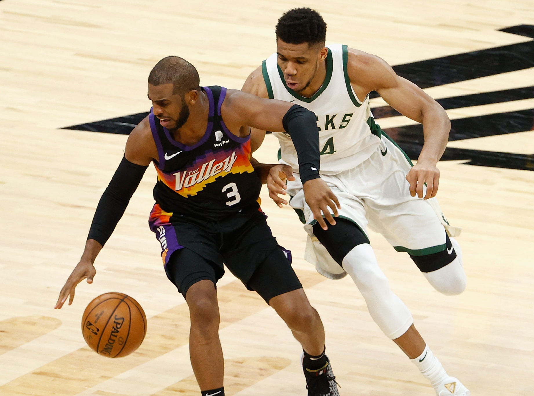 Milwaukee Bucks at Phoenix Suns Game 5 Betting Preview/Player Prop
